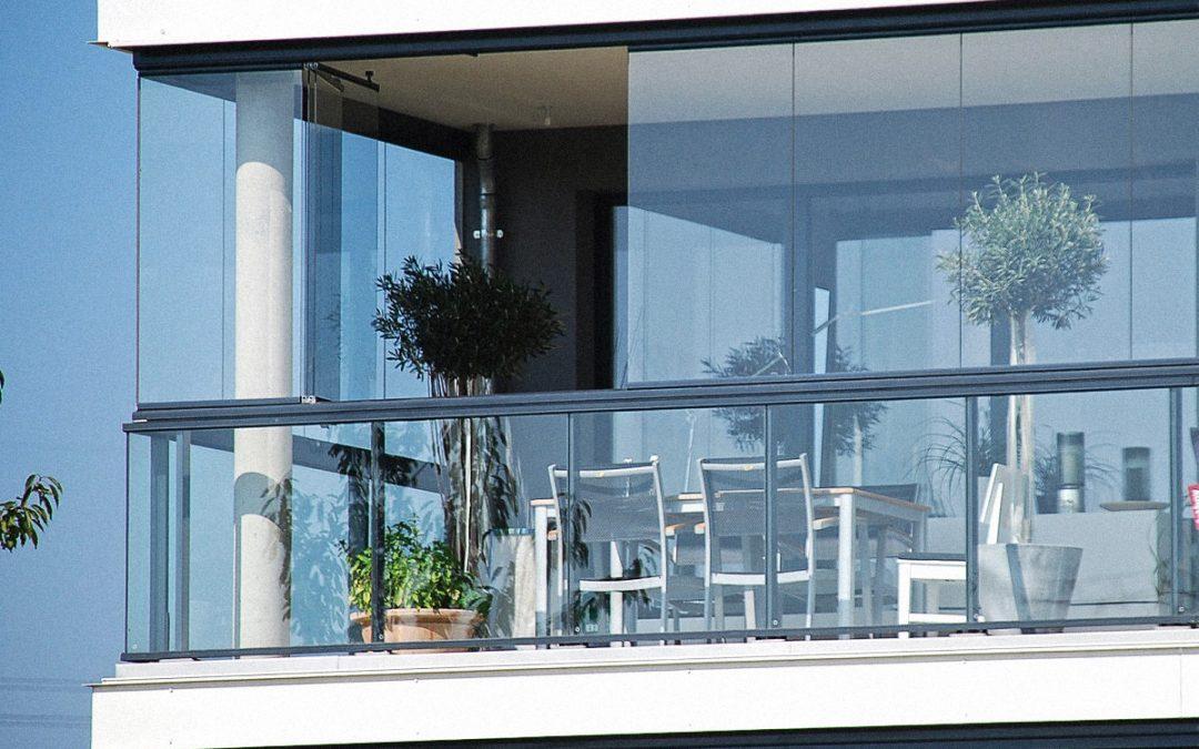 Fechamento de áreas externas com vidro: uma tendência, muitas vantagens